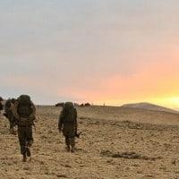 חיילים בזריחה