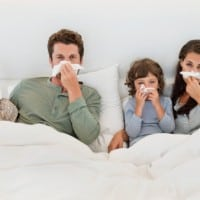 משפחה חולה בשפעת. צילום: גטי