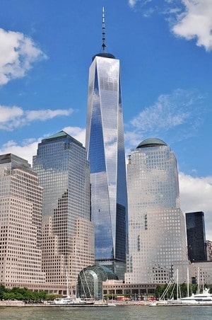 מרכז הסחר העולמי החדש בניו יורק. הוא אמור לשרוד מתקפת טרור, רעידות אדמה ושלל פגעי טבע ואדם אחרים. צילום: Joe Mabel