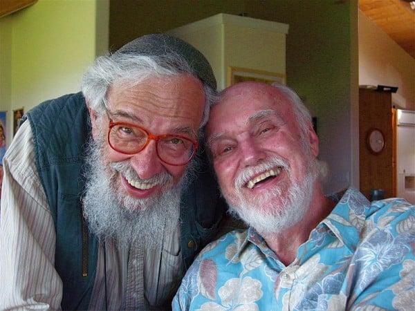 רבי זלמן שכטר-שלומי וראם דאס, לא דתיים ולא חילוניים, אבל כן בעלי תשובה.
