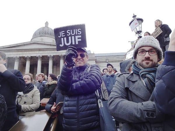 הפגנה לאחר המתקפה על שארלי הבדו בינואר, לונדון. צילום: ג׳ולי קרטז