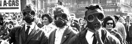הפגנה נגד השימוש באנרגיה גרעינית בבריסל, 1965. צילום: גטי אימג׳ס
