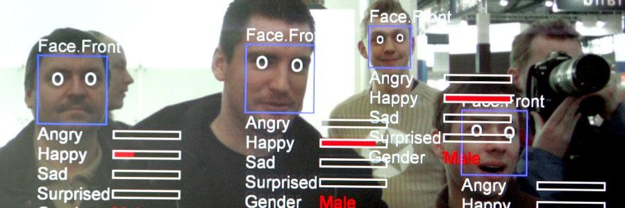 צילום של מסך מחשב שמפעיל תוכנת ״זיהוי פנים״ שנועדה לשימוש בוידאו ובצילומי סטילס. צילום: ג׳ון מק׳דוגל / AFP