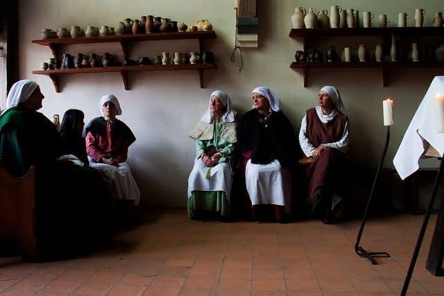 נשים בלבוש ימי הביניים, אבלות