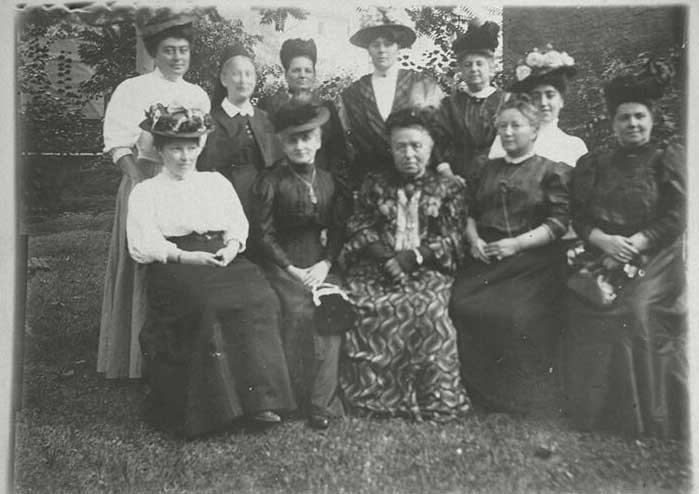 חברות המועדון למען האשה בקהילה היהודית של פרנקפורט, 1904