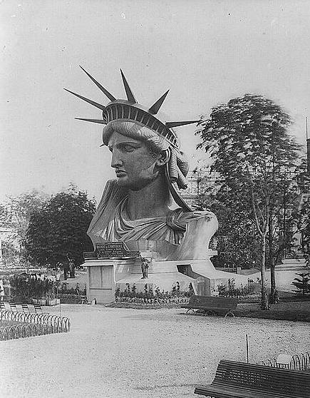 ראשו של פסל החירות ביריד העולמי ב-1878