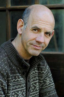 הסופר אמיר גוטפרוינד. צילום: מוטי קיקיון