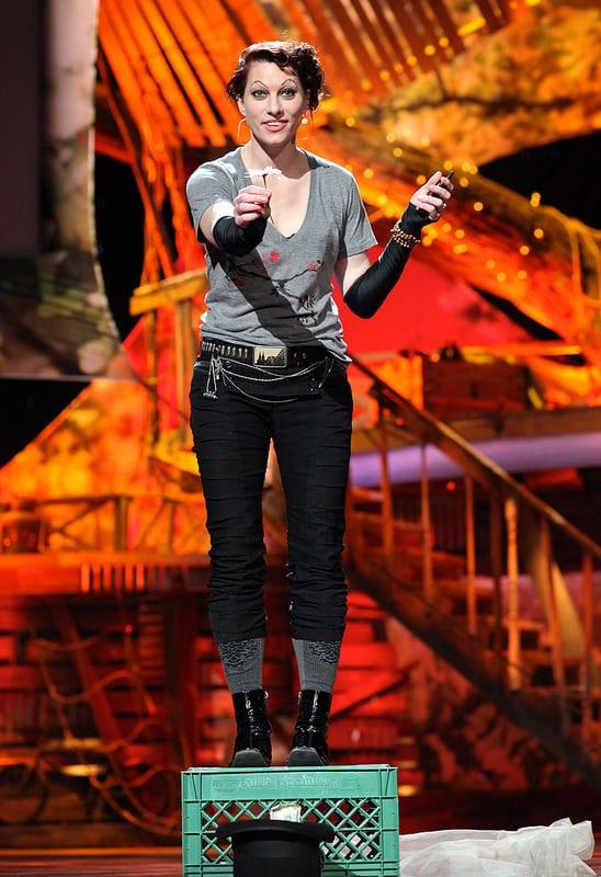 הזמרת אמנדה פאלמר הצליחה לגייס למעלה ממליון דולר ממעריצים.