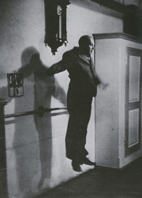 ואצלב ניז'ינסקי קופץ. הצילום הופיע ב-LIFE  בשנות ה-30.