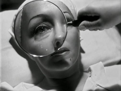 """גלוריה סוונסון מתוך  הסרט """"שדרות סאנסט"""""""
