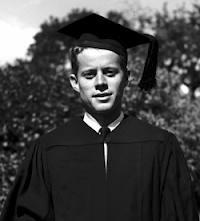 ג'ון פ. קנדי בהרווארד. השתתף במחקר גרנט