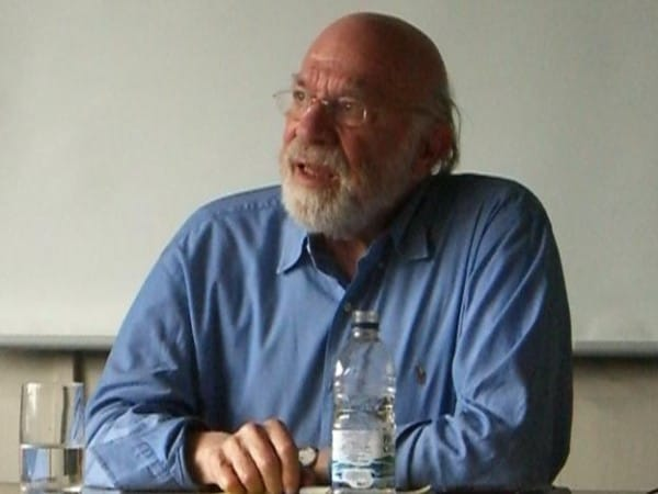 סטנלי קאוול ב-2009. צילום: אתר אוניברסיטת הרווארד