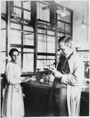 מייטנר והאן עובדים יחד במוסד על שם הקיסר וילהלם, 1913
