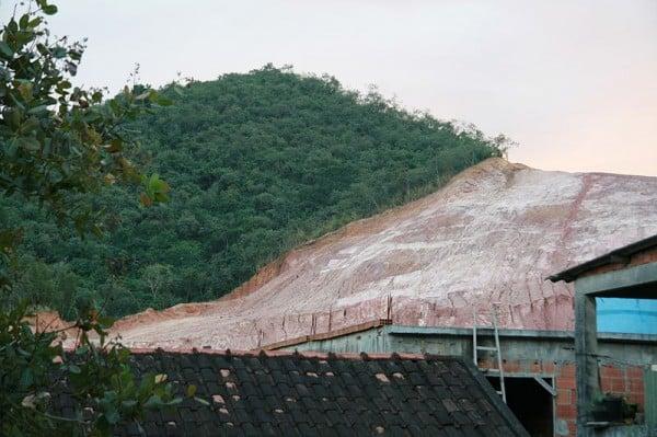 בירוא יערות בברזיל לטובת שימוש בחימר שבאדמה, 2009.