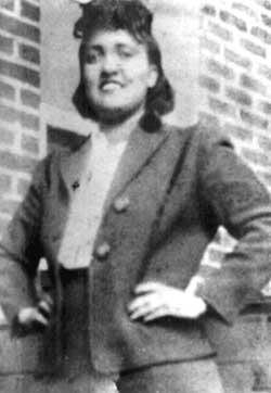 הנרייטה לאקס, בסביבות 1945.