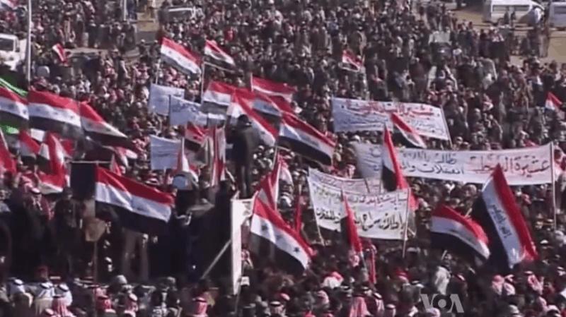 הפגנה המונית בעיראק ב-2013 נגד ממשלת אל-מאליקי. צילום: Voice of America News