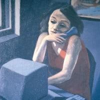 אישה מדברת בטלפון