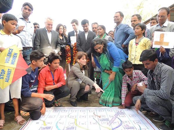 גרסה של סולמות ונחשים שמאתגרת את התרבות השובניסטית הרווחת בהודו.