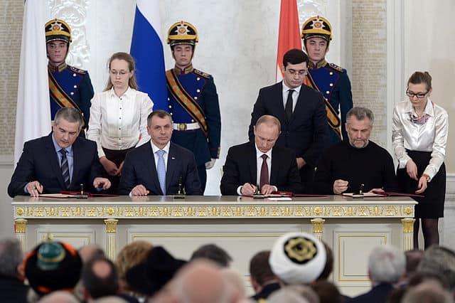חתימת הסכם הסיפוח של קרים במוסקווה, מרץ 2014.