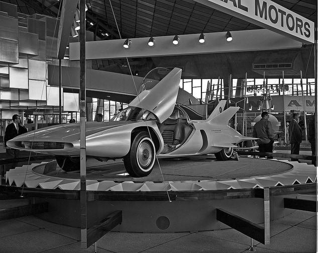תערוכה של ג׳נרל מוטורס ביריד העולמי ב-1962 בה הציגה את ״מכונית העתיד״. צילום: הארכיון העירוני של סיאטל