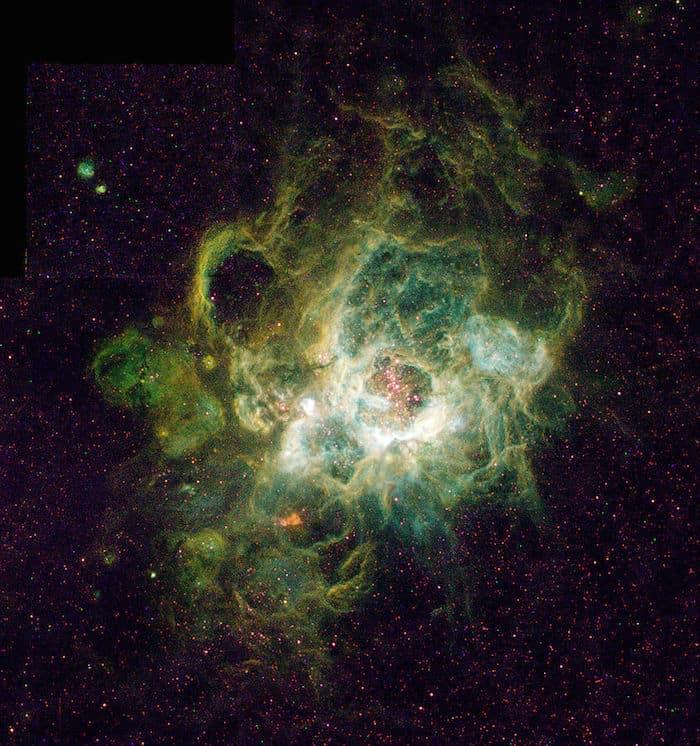 צילום של טלסקופ האבל של הערפילית NGC 604. באדיבות נאס״א