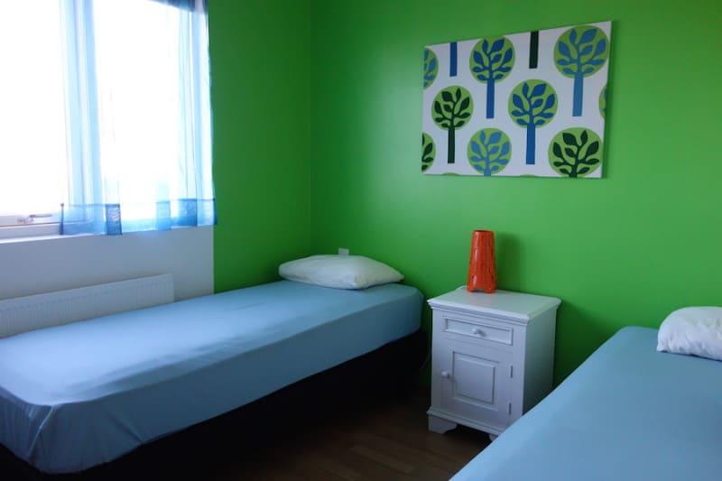 חדר באחד ההוסטלים באיסלנד. צילום: דפני