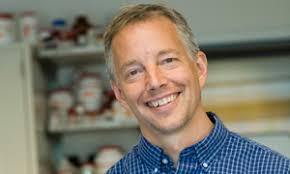 ד״ר ג׳ים אולסון.