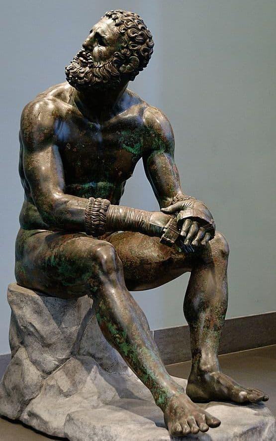 """פסל ברונזה של """"המתאגרף מקווירינאלה"""" שפוסל על ידי אפולוניוס, מן התקופה ההלניסטית, שהתגלה בשנת 1885."""