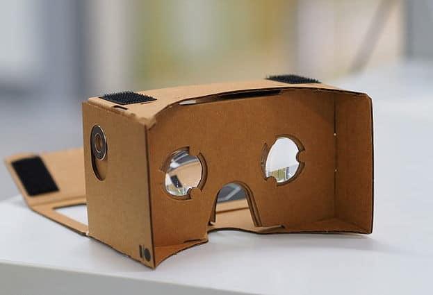 משקפי Google Cardboard.