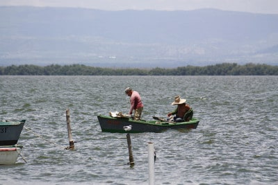 דייגים במפרץ גואנטנמו, קובה