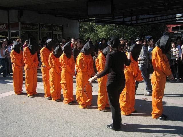 הפגנה באוניברסיטה בספרד נגד המעצרים בגואנטנמו.
