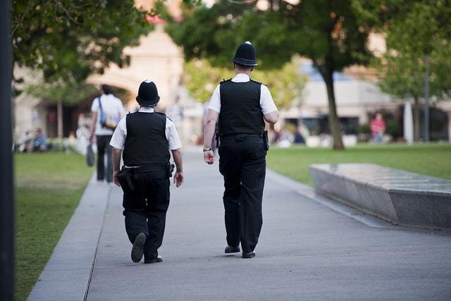 שני שוטרים בלונדון