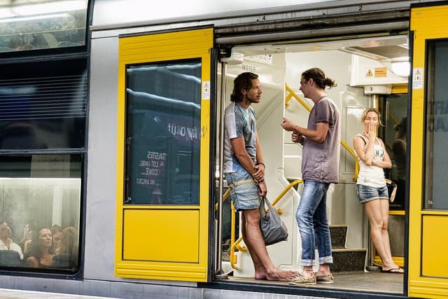 השיחה בקרון רכבת תחתית