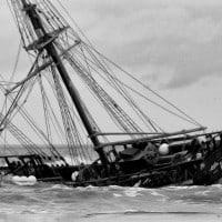 מובס, ספינה עתיקה טובעת