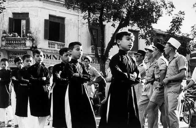 חיילים צרפתים בהאנוי רוברט קאפה