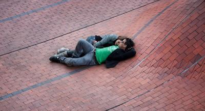 זוג נאהבים על גג