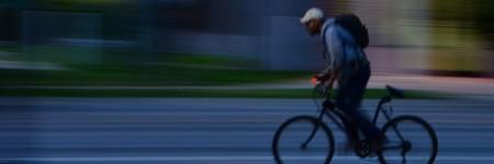 רוכב אופניים לילי