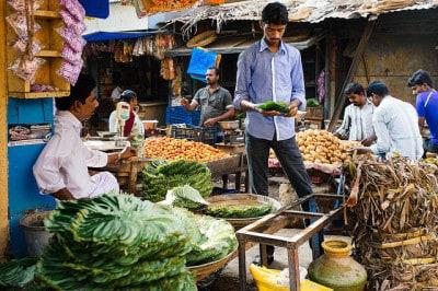 שוק פירות וירקות, Tiruvannamalai, טמיל נאדו, הודו.