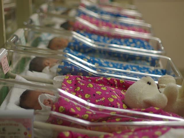 תינוקות שזה עתה נולדו, בבית חולים