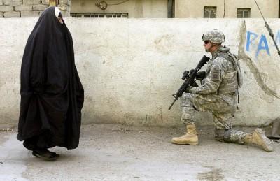 חייל אמריקני, בגדאד, אישה מוסלמית