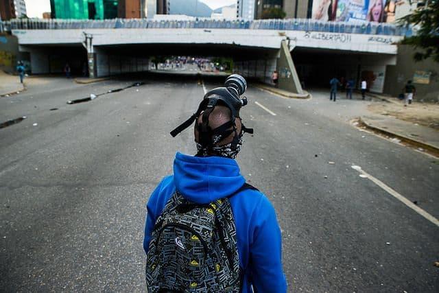 מפגין נגד הממשלה, ונצואלה