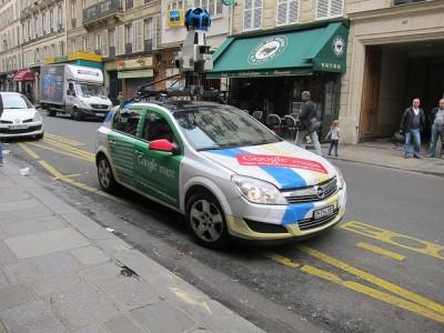 רכב מיפוי של גוגל ברחוב בצרפת