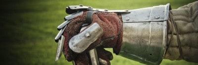 כפפת מתכת, חרב, ימי הביניים, נשק