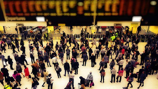 שעת השיא, לונדון, רכבת