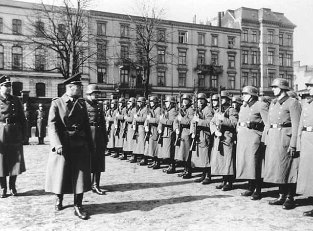 גדוד 101, משטרת הסדר, מילואים, נאצים, בראונינג