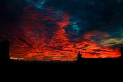צפון אירלנד, שמיים אדומים