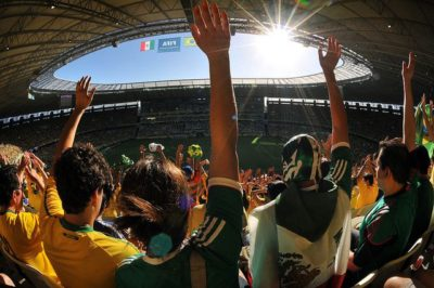 גל, כדורגל, אוהדים, יציע, קהל, תנועת גל