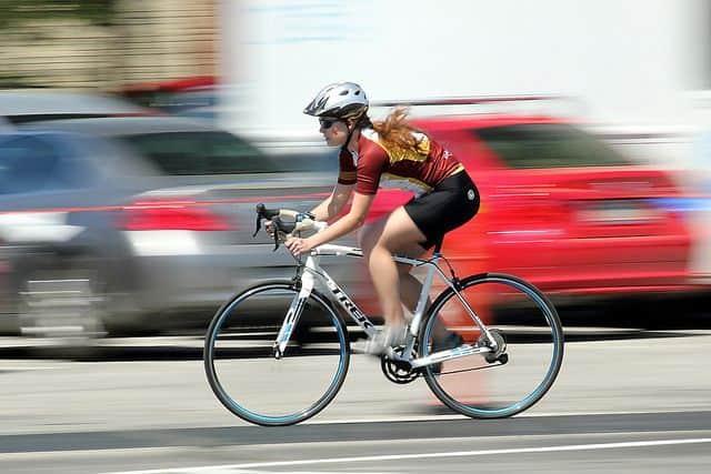 אופניים, מירוץ, רוכבת