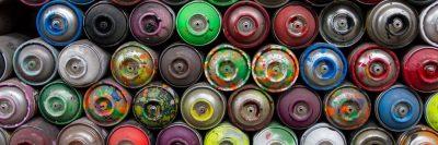 בלגאן, פחיות צבע, ספריי צבע