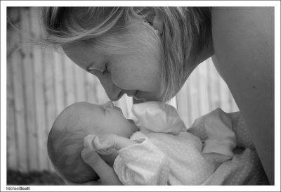 אהבת אם, אם ותינוק